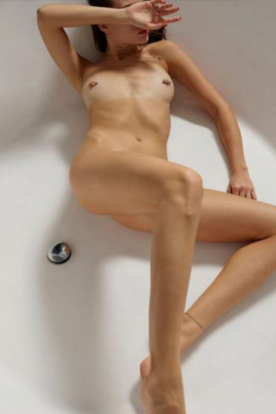 Irma sex date with call girl via Berlin escort agency for anal popping & bi service couples