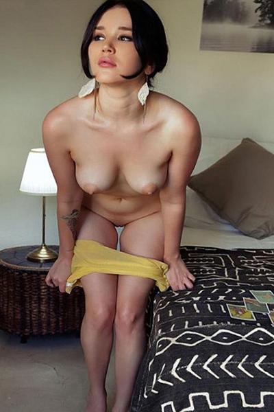 Chrissy - Glamour Dame Berlin 75 C Anal Freizeithuren Verspricht Tolle Eroische Massagen