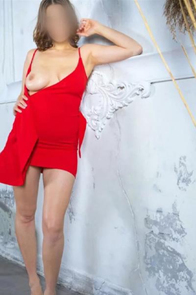 Caroline - Hostessen Frankfurt 26 Jahre Erotische Abenteuer Liebt Striptease
