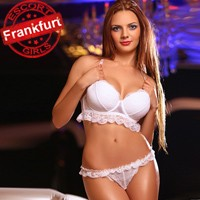 Alexandra – First Class Hure in Frankfurt verwöhnt mit Anal Sex