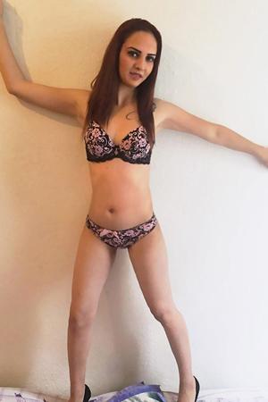 Andrea - Diskrete Online Sexanzeigen von Hausfrauen aus Berlin