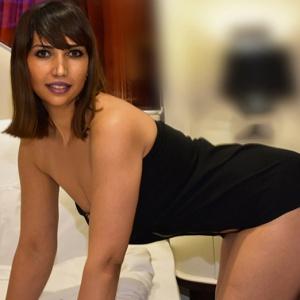 Asay - Escort Nutten in Berlin offeriert mit Analstellungswechsel bei Sexanzeigen