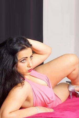 Bella - Sexy Analita mit dicken Titten Reisebegleitung für Berlin