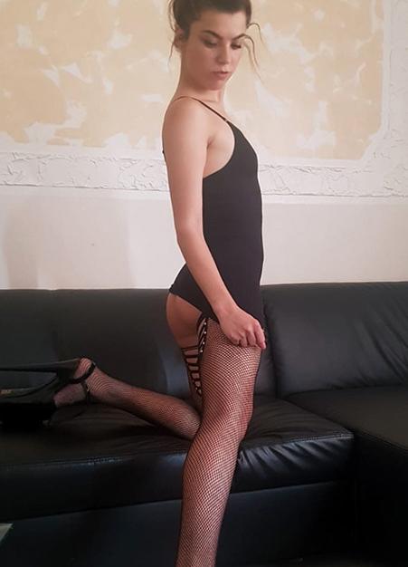 Corinna - Hobbymodelle Berlin 21 Jahre Huren Domina