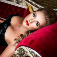 Ivana – Erostess aus Niederlande bietet erotische Öl Massage für Liebhaber an