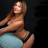 Escort Girl Ivon 2 ist auf Partnersuche in Berlin für Erotische Stunden