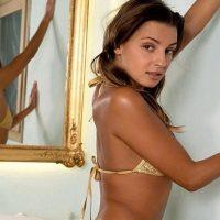 Jessy – Zierlich Berlin 75 A Erotische Massage Natursekt