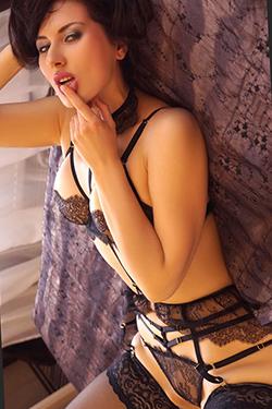 Lysi - Bi Sexual Mature Escort Single In Frankfurt