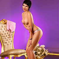 Roxi – Escort Oberhausen NRW Short-Haired Ladie Offers Anal Sex