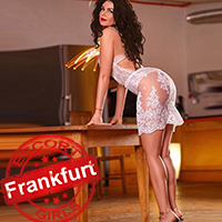Tiffany De Luxe – Anal Sex Vermittlung in FFM mit reife Escort Dame in Dessous