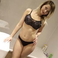 Vivien – Berlin Anal Sex Abenteuer mit Top blondinen